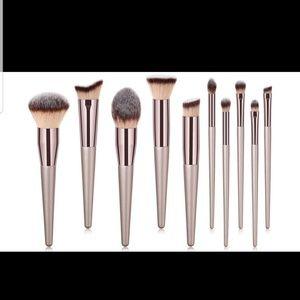 New 10 piece Makeup Brush Set